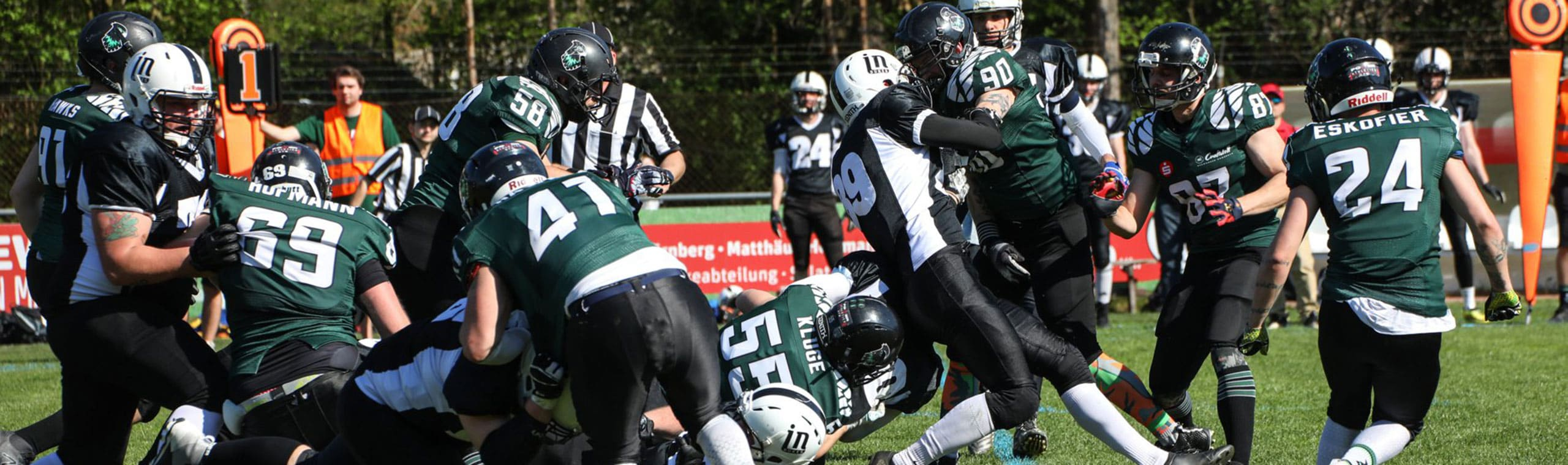 Kontakt-sport: Hawk Football